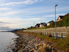 Indrebyfjaera by <b>Jens Gressmyr</b> ( a Panoramio image )