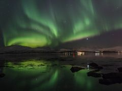 Aurora Reflections by <b>hannekje</b> ( a Panoramio image )