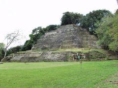 BELIZE: ORANGE WALK DISTRICT: LAMANAI: Jaguar Temple (Structure  by <b>Douglas W. Reynolds, Jr.</b> ( a Panoramio image )