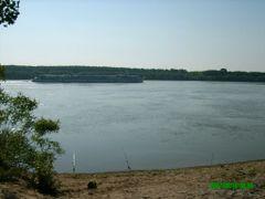pescuit la Tufesti, pe Dunare-jumatatea lunii Iunie 2007 by <b>Nelu Mihalcea</b> ( a Panoramio image )