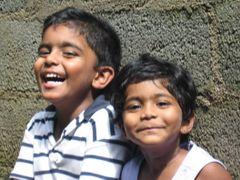 Happy face.  Anuka and Asara.  by <b>Jayaratne, Kandy</b> ( a Panoramio image )
