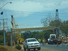 Puente Peatonal de Portachuelo by <b>sandycruz</b> ( a Panoramio image )