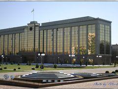 O senado da republica de Uzbekistan em Tashkent by <b>Peter  Nikolov</b> ( a Panoramio image )