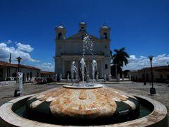 Iglesia de Suchitoto by <b>Walter Viana</b> ( a Panoramio image )