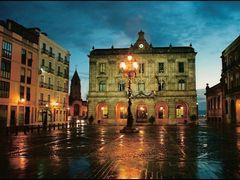 Plaza Mayor y Ayuntamiento, Xixon. by <b>PANEDA</b> ( a Panoramio image )