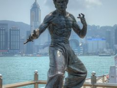 Bruce Lee Statue by <b>ChiefTech</b> ( a Panoramio image )