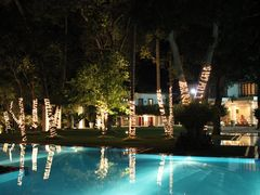 Mahaweli Reach Hotel pool @ night by <b>Dr.Azzouqa</b> ( a Panoramio image )