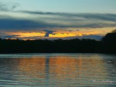 Amanecer  en la boca del rio Jesus Maria, estero Las Flores, pl by <b>Melsen Felipe</b> ( a Panoramio image )