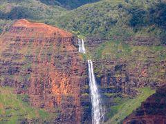 Waimea Canyon waterfall by <b>LSessions</b> ( a Panoramio image )