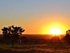 Por do Sol do Dia 1° de Maio!!! by <b>Arolldo Costa Oliveira</b> ( a Panoramio image )