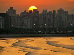 Sunrise by <b>Criss Cristina</b> ( a Panoramio image )