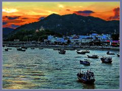 Chi??u b??n ca?ng by <b>Kinh Dinh</b> ( a Panoramio image )