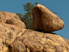 In Balance - Rockformations  (D2612) Uis - Twyfelfontein; Kunene by <b>Traveling-Crow</b> ( a Panoramio image )