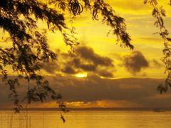 Bantayan Sunrise by <b>francinelb3</b> ( a Panoramio image )