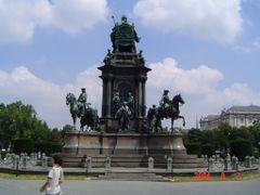 Maria Theresien Platz by <b>SimonTamas</b> ( a Panoramio image )