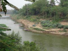 Aguas marrones, orillas fangosas... by <b>AnaMariaOss</b> ( a Panoramio image )