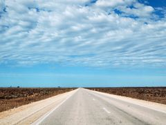 Eyre Highway, Nullarbor Plain, west of Roadhouse by <b>dirkus49</b> ( a Panoramio image )