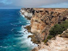 Bunda Cliffs, second lookout, Nullarbor Plain by <b>dirkus49</b> ( a Panoramio image )