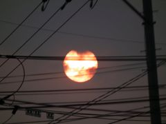 The  electirc cables hold the rising sun by <b>peacemaker453354 (No Views)</b> ( a Panoramio image )