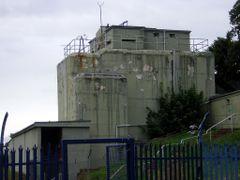 Rosyth Royal Dockyard Gate pillbox by <b>dragon-hunter</b> ( a Panoramio image )