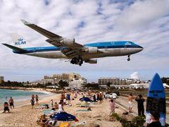 KLM B744 landing by <b>Lukas Novak</b> ( a Panoramio image )