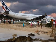 A340 in Takeoff Position by <b>Lukas Novak</b> ( a Panoramio image )