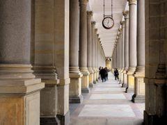 Malomkut Kolonnad  /  Mill Colonnade  /  Mlynska kolonada by <b>Zabb Csaba</b> ( a Panoramio image )