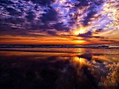 Sunrise Spectacular by <b>Eliton Sloma</b> ( a Panoramio image )