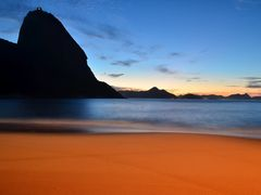 Silhueta do Pao de Acucar-Rio de Janeiro by <b>kilsonRJ</b> ( a Panoramio image )