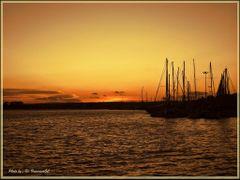 Atardecer  en el puerto - TORREVIEJA - Alicante-Espana....(by Fr by <b>© FranciscoGC</b> ( a Panoramio image )