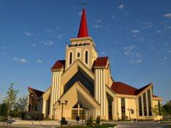 St. Eugene de Mazenod Church-Brampton, ON by <b>flodor</b> ( a Panoramio image )
