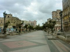 Morning on paseo del Prado (Paseo de Marti) by <b>IPAAT</b> ( a Panoramio image )