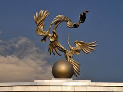 Independence Square in Tashkent, Uzbekistan. by <b>Nicola e Pina Uzbekistan 2011</b> ( a Panoramio image )