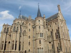 Palacio episcopal de Astorga by <b>SocVoro</b> ( a Panoramio image )