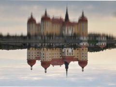 Schoss Moritzburg im Wasser by <b>Lady A</b> ( a Panoramio image )
