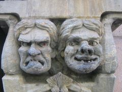 faces in the wall (for marilyn whiteley) by <b>matkustava_kissa</b> ( a Panoramio image )