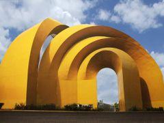 Arcos del Milenio by <b>? ? galloelprimo ? ?</b> ( a Panoramio image )