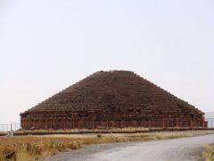 Medracen berber Tomb by <b>Magic Nature</b> ( a Panoramio image )