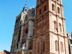 Una preciosa manana a las puertas de la catedral. by <b>LEIRE13</b> ( a Panoramio image )