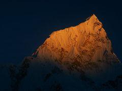 nuptse 1 sunset by <b>wsm earp</b> ( a Panoramio image )