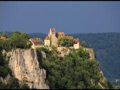Burg Werenwag vor dunklen Gewitterwolken by <b>~~~ Thomas ~~~</b> ( a Panoramio image )