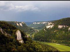 Aussicht vom Eichfels ins Donautal by <b>~~~ Thomas ~~~</b> ( a Panoramio image )