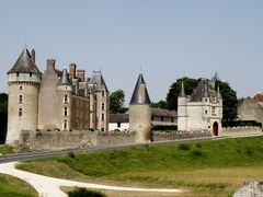 Cere la Ronde - Chateau de Montpoupon by <b>carlo bianco</b> ( a Panoramio image )