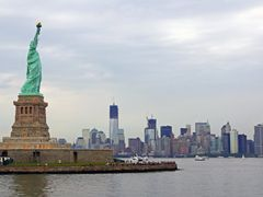 Lady Liberty & Manhattan by <b>andreisss</b> ( a Panoramio image )