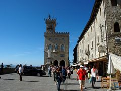 Piazza di San Marino by <b>Massimo Visconti</b> ( a Panoramio image )