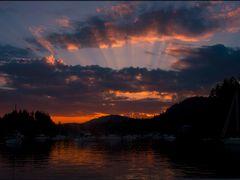 Garden Bay Sunset by <b>Gabor Retei</b> ( a Panoramio image )
