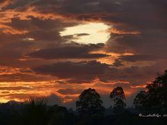 Crepusculo en Naranjo,  Costa Rica by <b>Melsen Felipe</b> ( a Panoramio image )