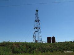 gas rig (газовая буровая вышка) by <b>vovkaman</b> ( a Panoramio image )