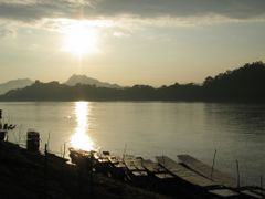 Mekong sunset by <b>peter kock</b> ( a Panoramio image )