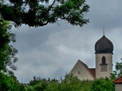 Leiden-Christi-Kirche (Obermenzing; Munchen) by <b>Martin Beitz</b> ( a Panoramio image )